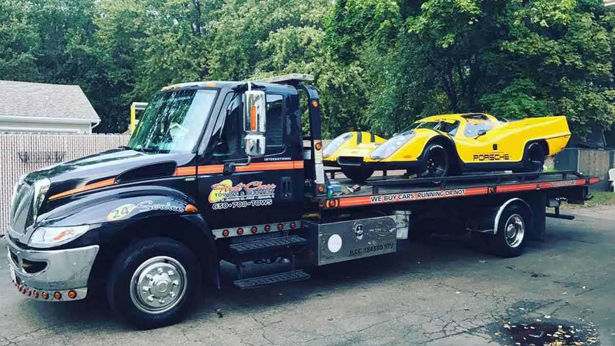 Luxury Car Towing McHenry, IL